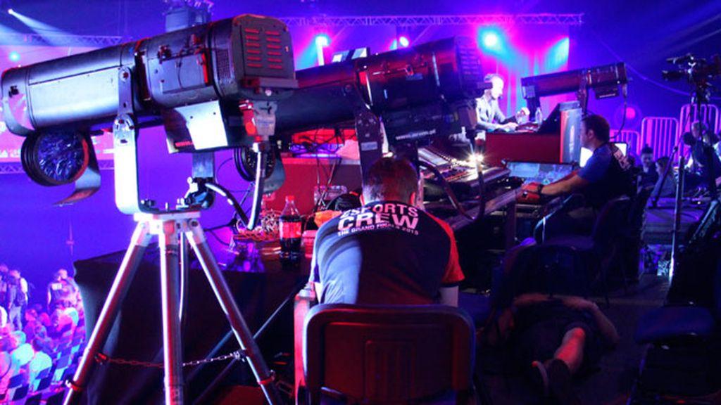 Más de 20 cámaras, siete puestos de comentaristas,18 cañones de luz