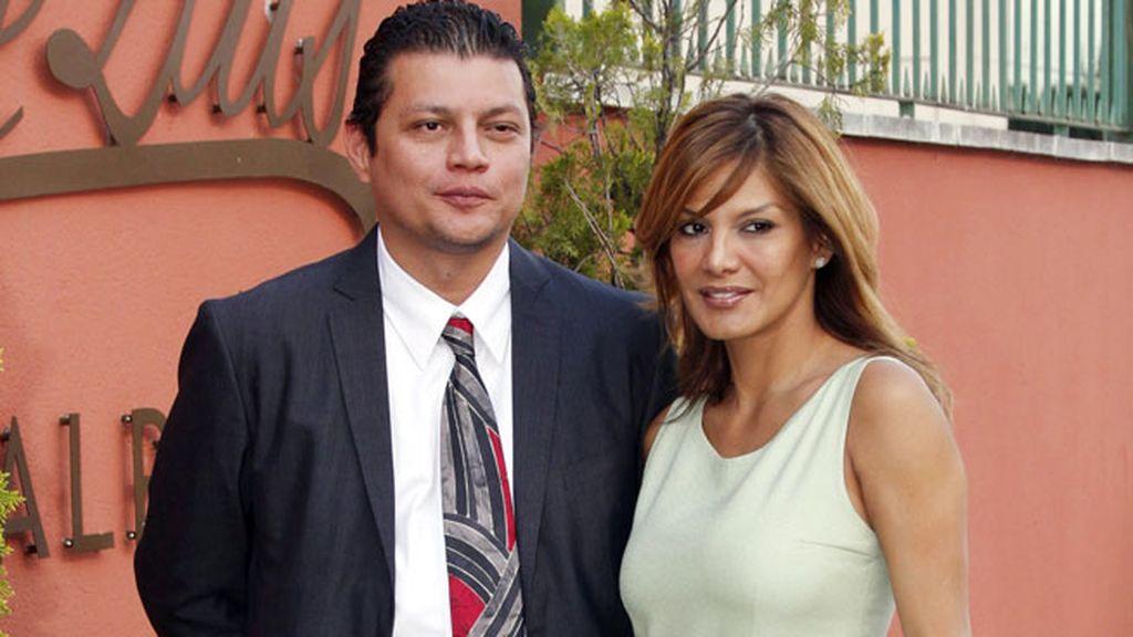 Ivonne Reyes y hermano