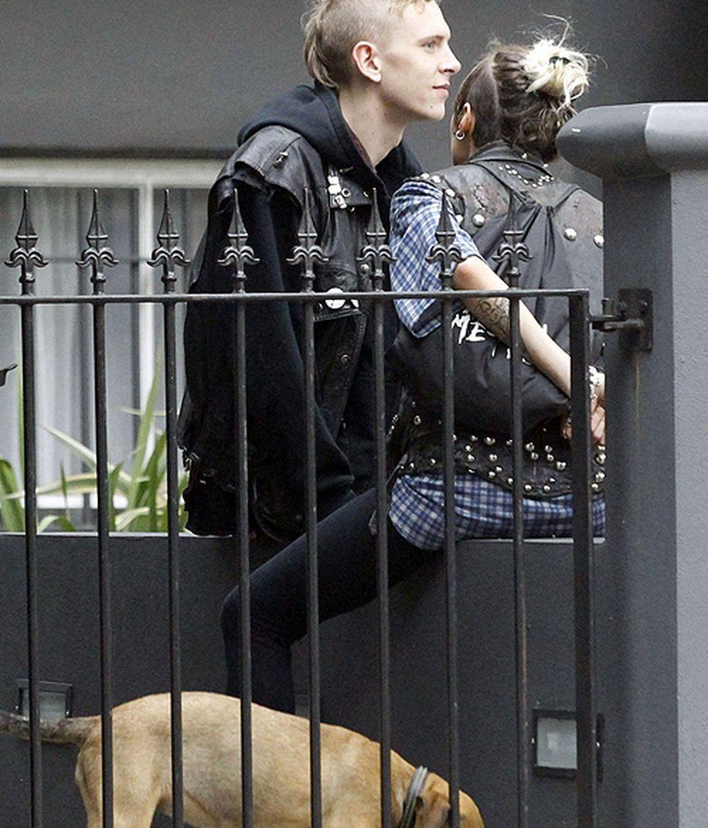 La nueva imagen de Chanel lleva perro, cresta y Dr. Martens