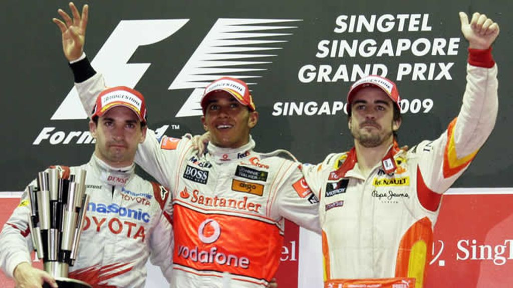 Fernando Alonso subió al podio de Singapur