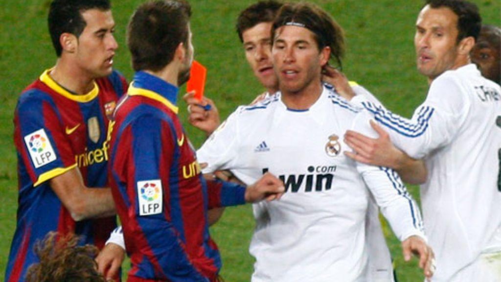 Sergio Ramos perdió los papeles y vio tarjeta roja