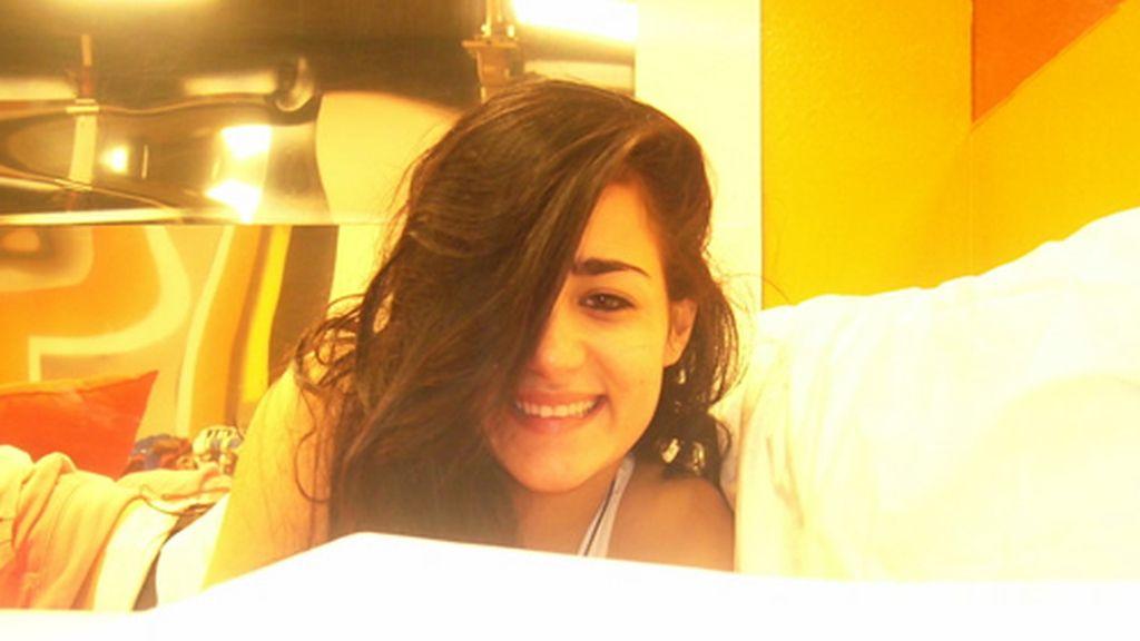 Aroa muy guapa en la cama