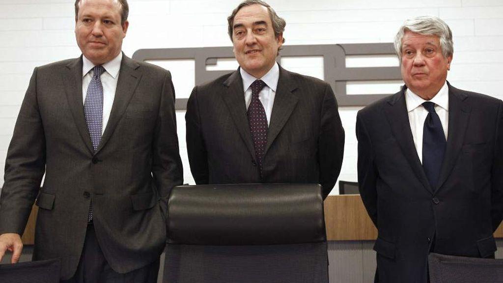 Jesús Terciado, presidente de Cepyme; Juan Rosell, presidente de la CEOE y Arturo Fernandez, presidente de la patronal madrileña