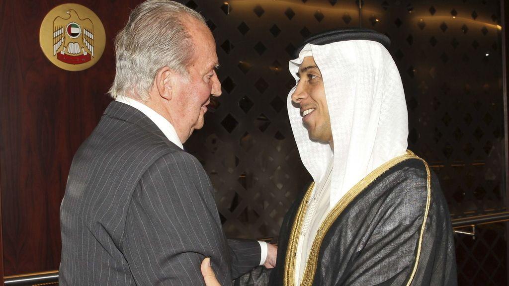 Rey gira por Emiratos Árabes y Kuwait. Foto: EFE
