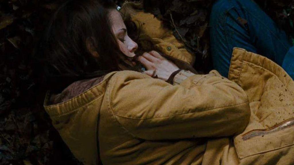 Bella abandonada en el bosque