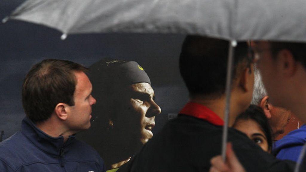 La lluvia aplaza la final frente a Djokovic