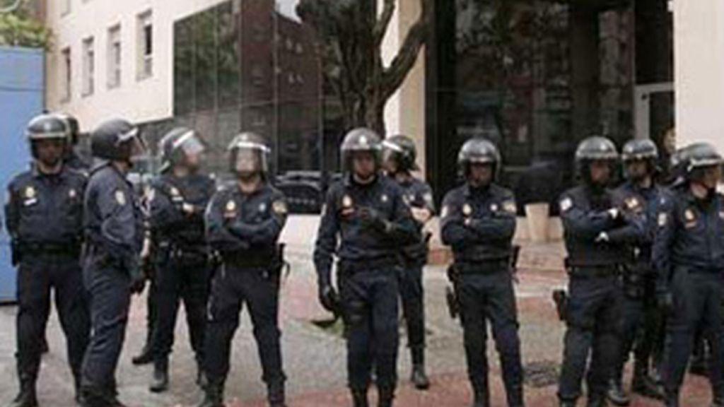 Policías y guardias civiles comienzan una huelga de celo. Vídeo:Atlas