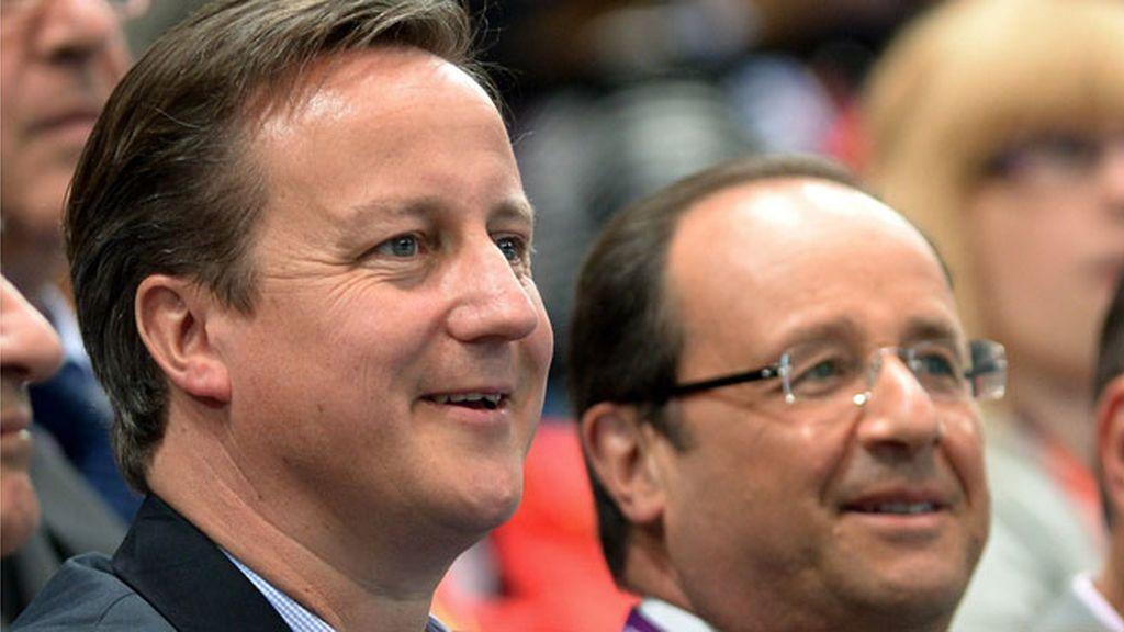 Cameron y Hollande vieron el partido de balonmano entre Francia y España
