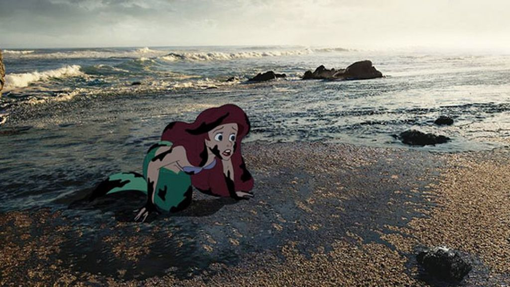 La Sirenita que nada en un oceáno de petróleo