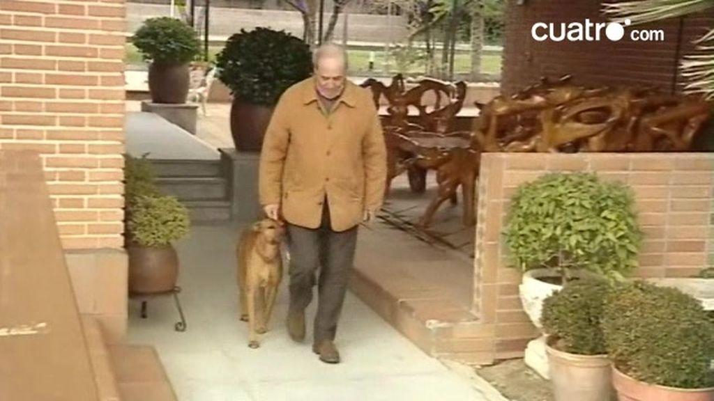 Rufo y su dueño aprenden a pasear
