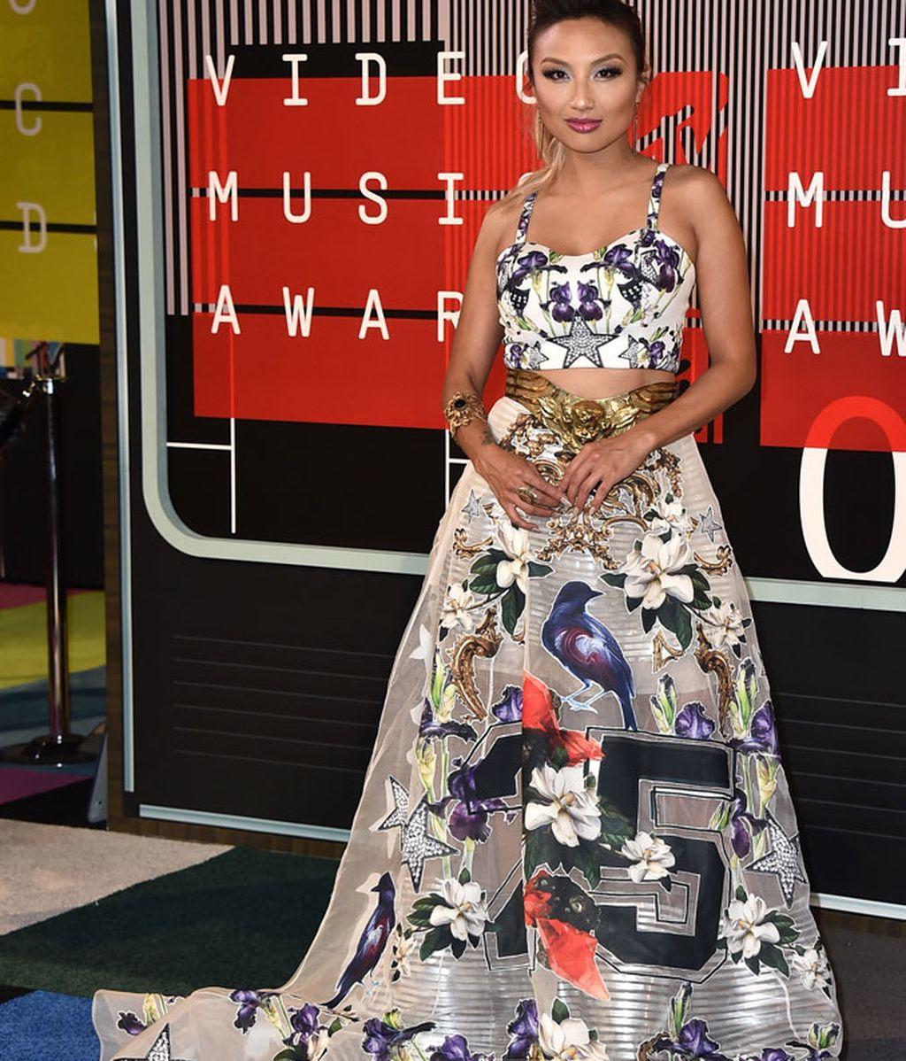 Jeannie Mai en los premios MTV