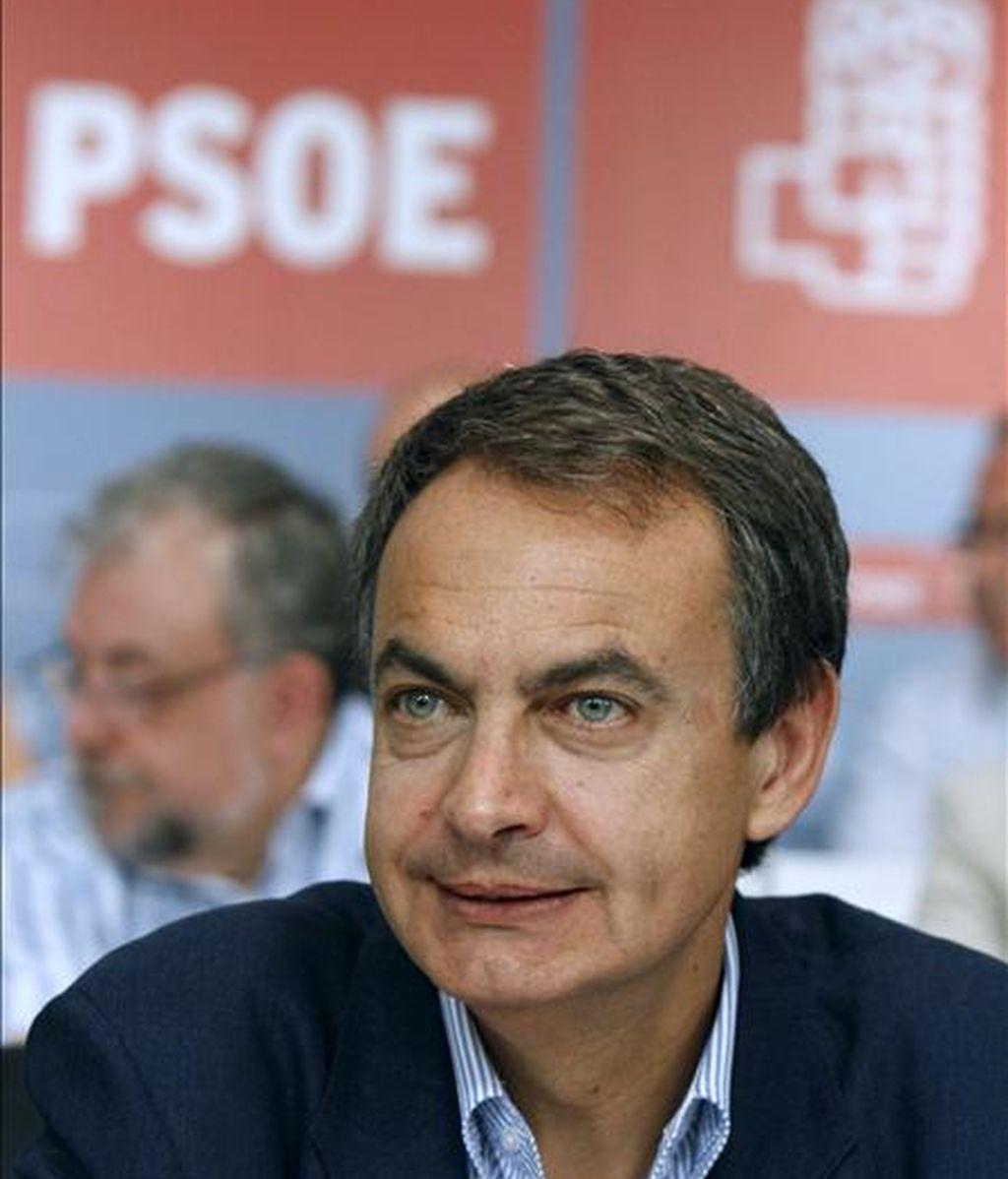 El presidente del Gobierno y lider del PSOE, José Luís Rodríguez Zapatero, durante la reunión del Comité Federal de este partido, que dará el visto bueno al inicio del proceso para preparar las candidaturas de las elecciones autonómicas y municipales de 2011. EFE