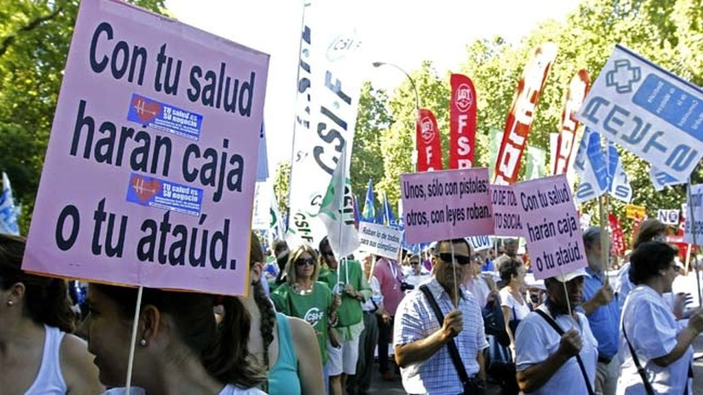 La Marea Blanca regresa animada por la paralización cautelar de la externalización sanitaria