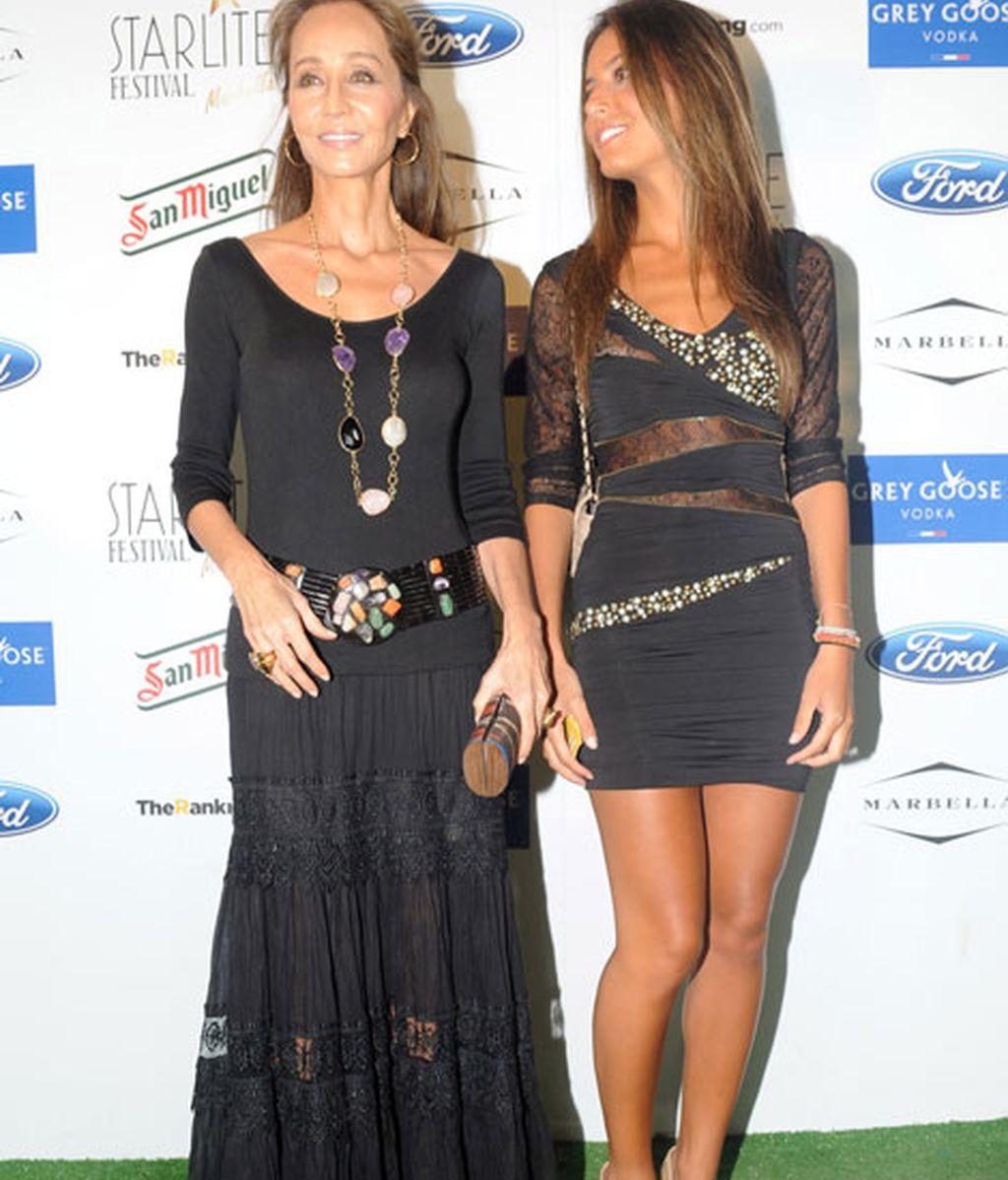 Isabel Presley y Ana Boyer acudieron vestidas de negro