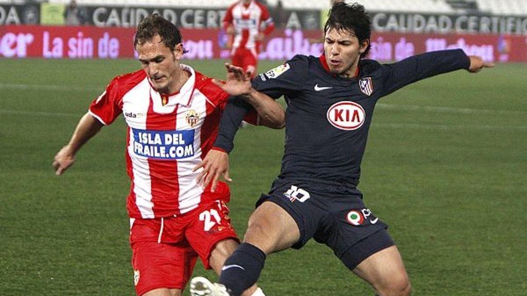 1-1. El Almería acentúa la crisis de un gris Atlético