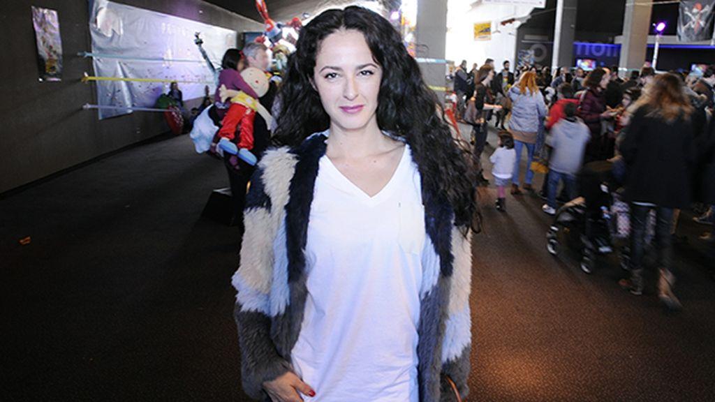 La actriz Mónica Estarreado a su llegada a Kinépolis