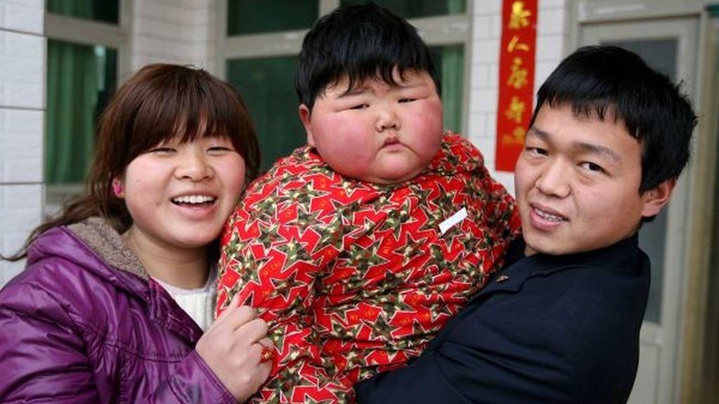 Pan Ya con dos años pesa 41 kilogramos