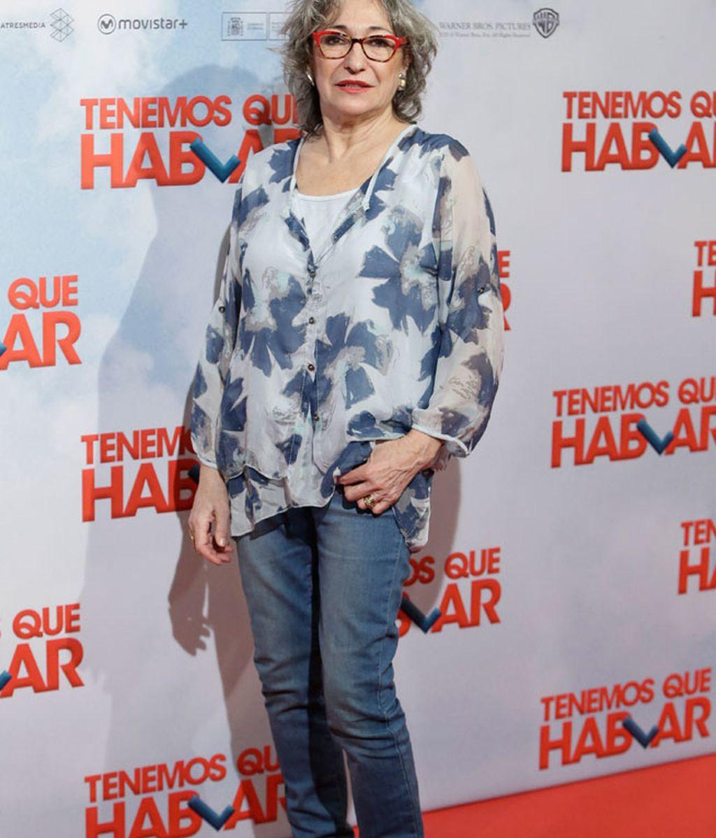 Luisa Gavasa con 'look casual': vaqueros y camisa estampada