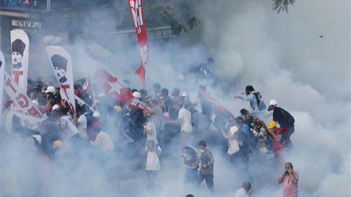 La Policía turca detiene a 500 personas en las actuaciones en Estambul y Ankara