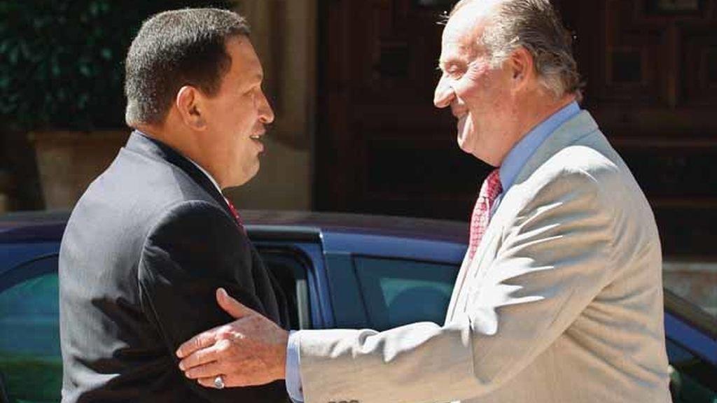 El Rey recibe a Chávez