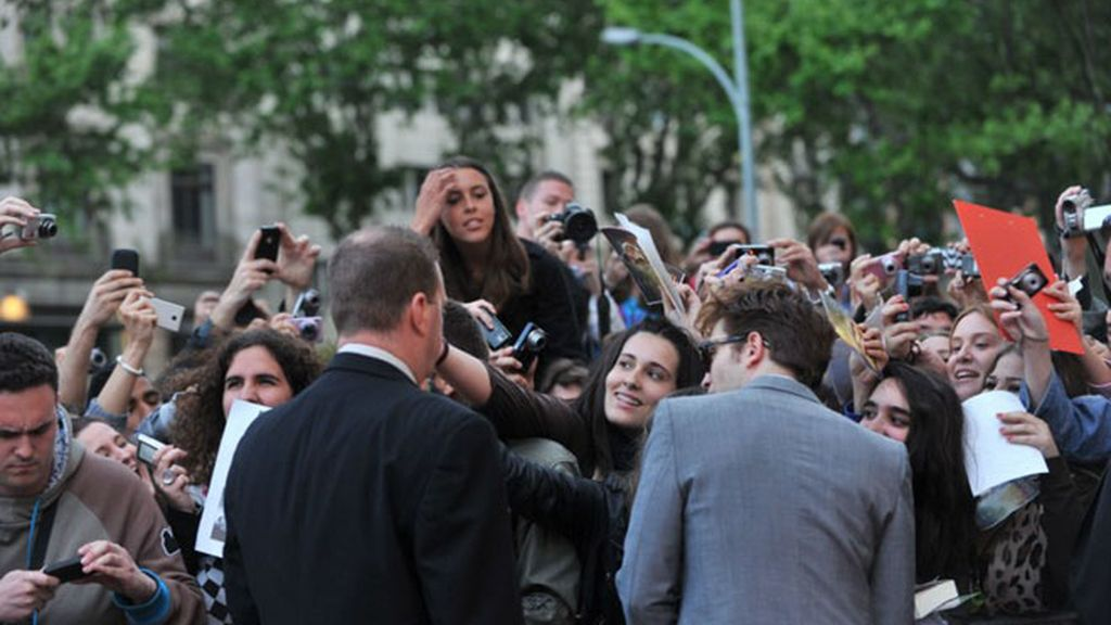 Pattinson y Witherspoon hacen enloquecer Barcelona