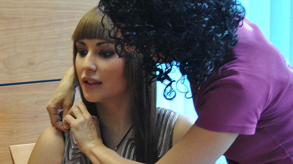 Gemma, en los preparativos de la entrevista para cuatro.com