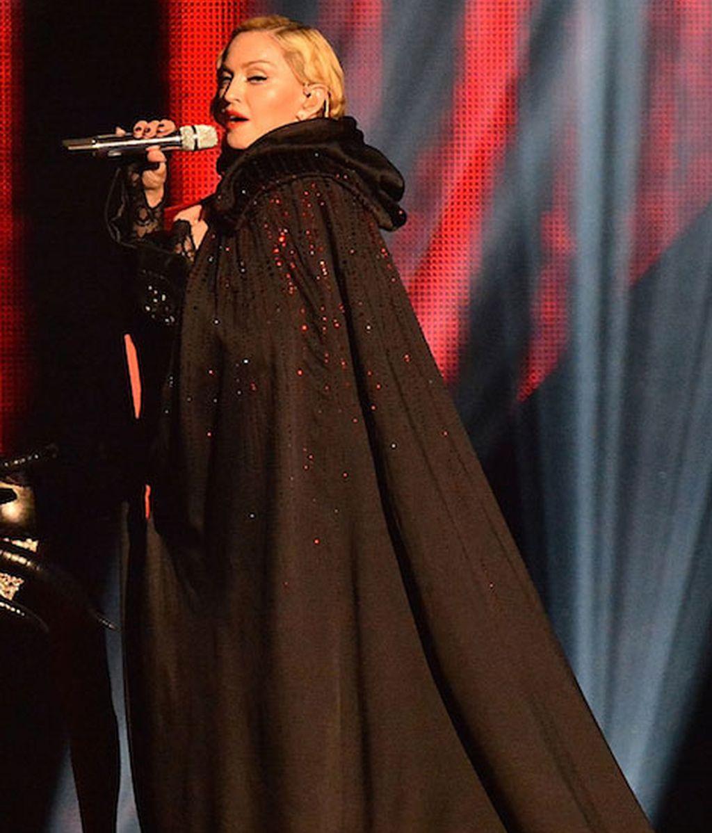 El porqué de la caída de Madonna en los Brit Awards 2015