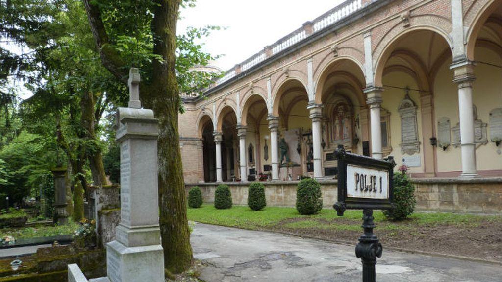 cementerio. arcadas