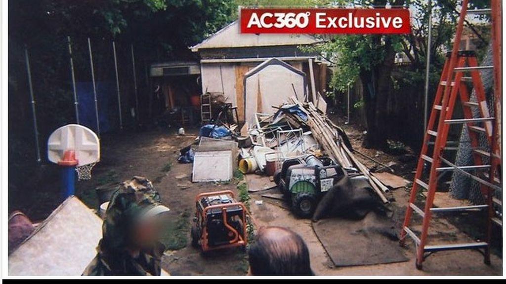 El patio de Ariel Castro en la casa de los horrores de Cleveland