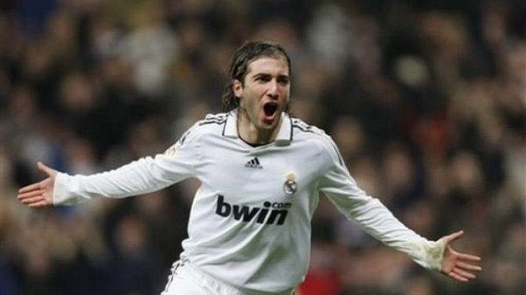 1-0: Un gol de Higuaín dio otro sobrio triunfo al Madrid
