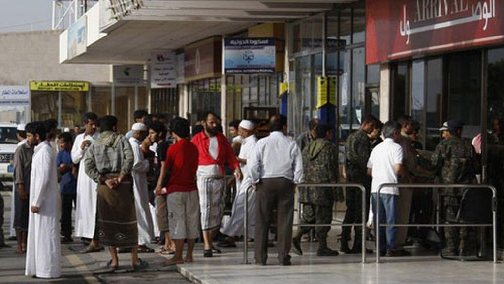 Aeropuertos abarrotados de gente