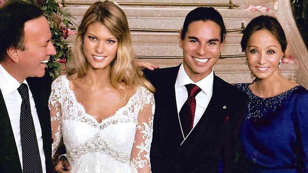 Charisse también eligió al diseñador para casarse con Julio José Iglesias