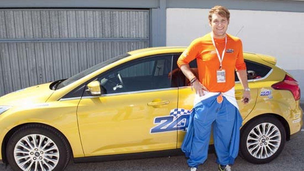 Manu Tenorio cumple 36 con nuevo 'look'