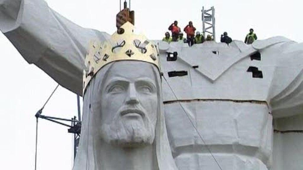 Ya está en Polonia la estatua más grande de un Cristo