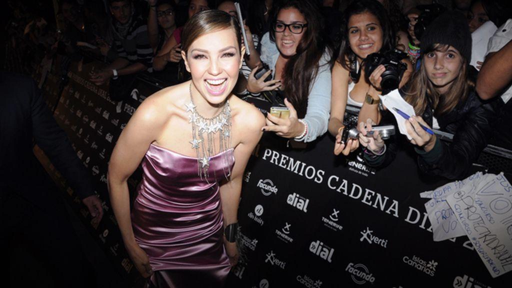 """Una emocionadísima Thalía """"arrasando"""" entre sus fans"""