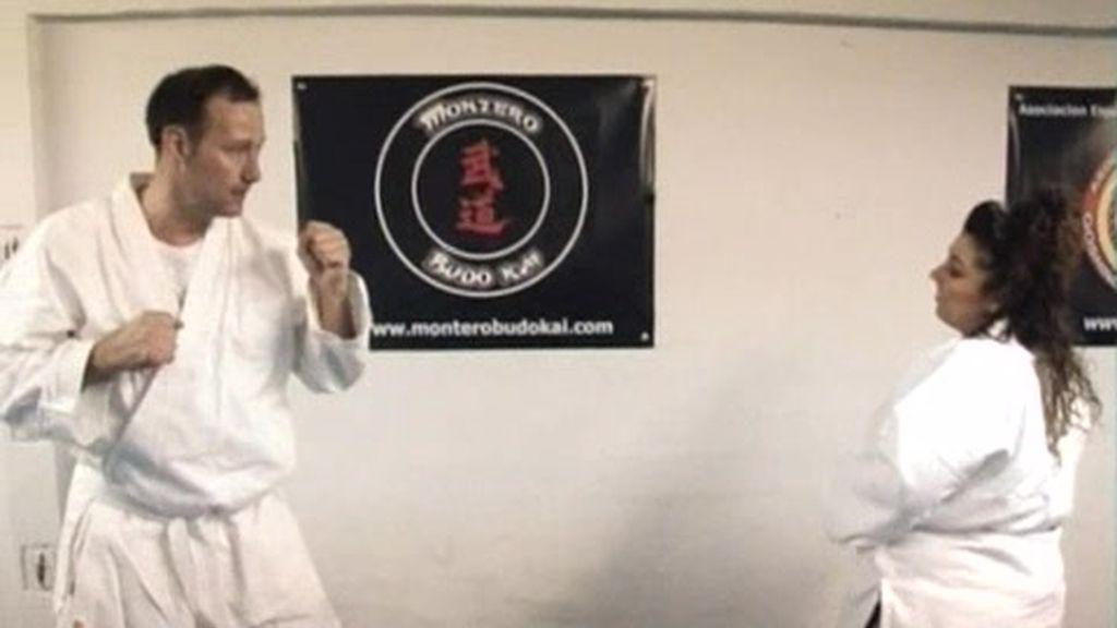 Natalia intenta liberar energía practicando artes marciales