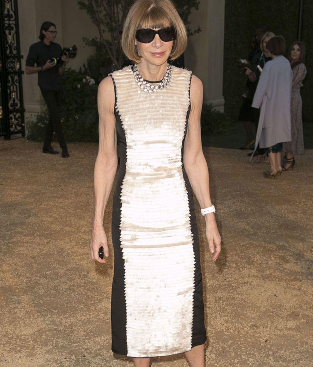 Ana Wintour con sus acostumbradas gafas de sol