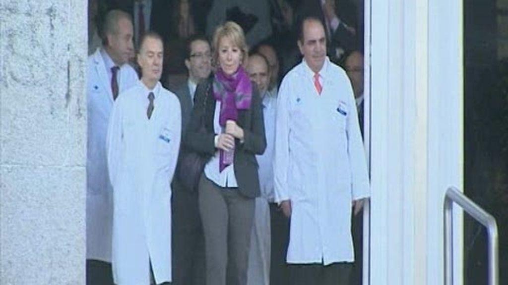 Esperanza Aguirre sale del hospital