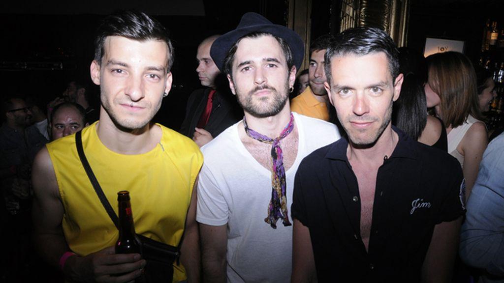 El estilista Xavi Reyes, Jon Begoña y el diseñador Juanma Cabezón