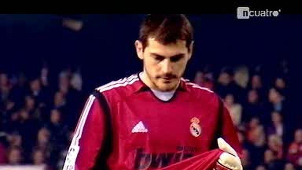 El calvario para Iker Casillas en Mestalla
