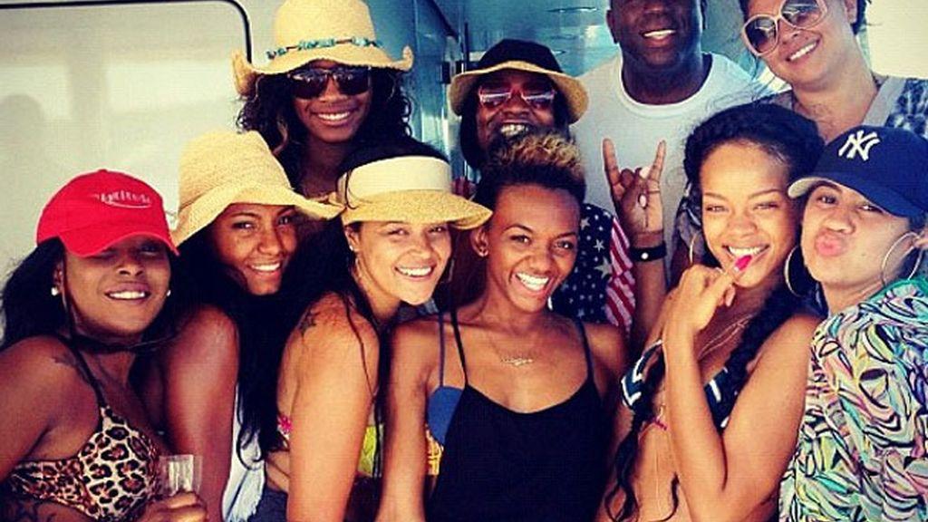 Rihanna se relaja en Cerdeña