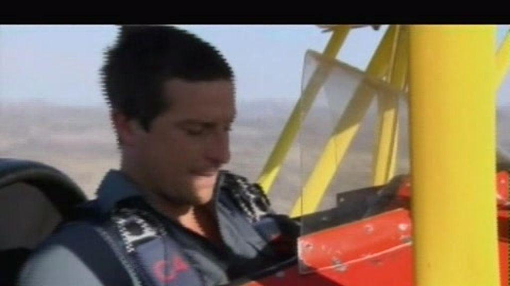 Avance Texas: el último superviviente se tira en marcha de una avioneta