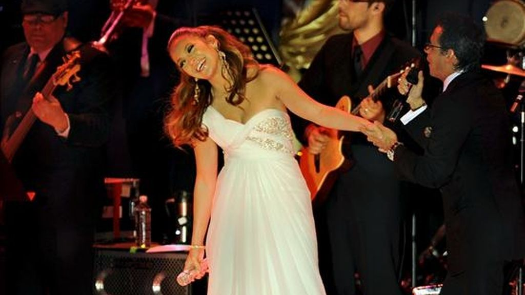 Los cantantes Jennifer López y Marc Anthony actúan en el Western Hall, Washington. EFE/Archivo
