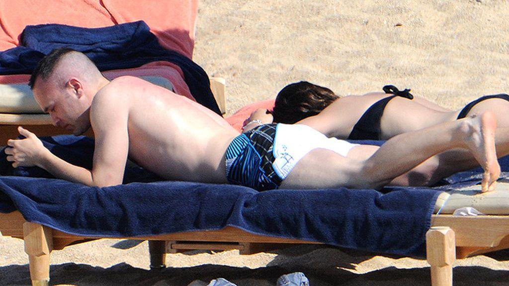El tipazo de Anna Ortiz, la novia de Iniesta, tras el parto