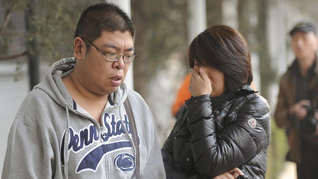 Angustia entre los familiares de los ocupantes del vuelo desaparecido