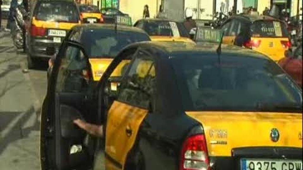 Barcelona se lo pone difícil a los taxistas