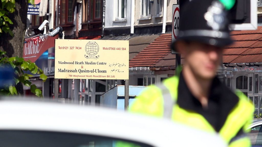 Detenido un individuo tras apuñalar a cuatro personas en una mezquita de Birmingham