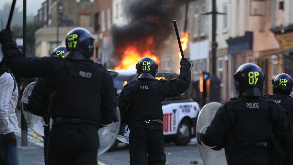 Detenidos extranjeros en los disturbios en Londres. Foto: GTRES