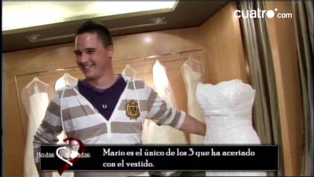 ¿Acertarán Mario, Rubén, Chico y Julio con el vestido de bodas?