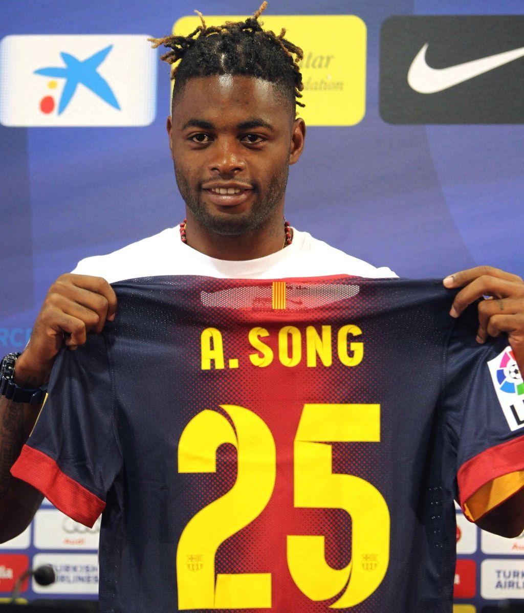 presentación de Alexandre Song con el FC Barcelona